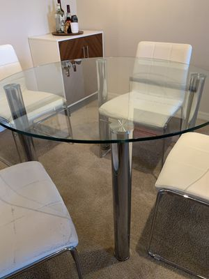 """Napoli Dining Table - 45"""" diameter glass & chrome. for Sale in Pinellas Park, FL"""