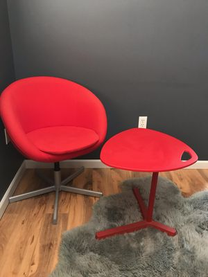 IKEA computer table and chair for Sale in Kennewick, WA