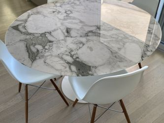 Saarinen Dining Table for Sale in Beverly Hills,  CA