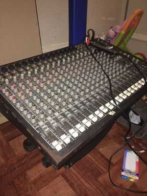 Mackie CFX MIXER 20 channels for Sale in The Bronx, NY