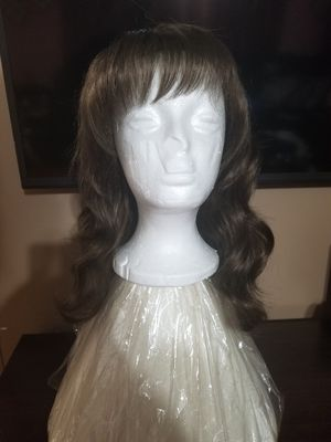 Beautiful brand new medium ash blonde wig / Synthetic hair for Sale in Tampa, FL