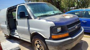 2005 chevy express 1500 6 cyl. for Sale in Phoenix, AZ