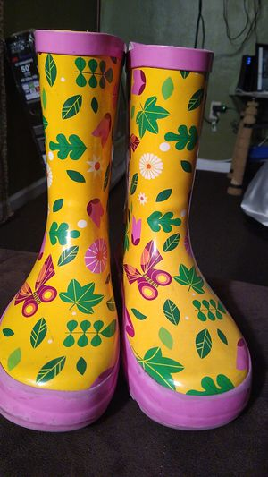 Rain boots for Sale in Paramount, CA