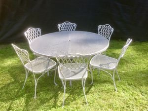 """Russel Woodard Florentine patio garden furniture 6 chairs 54"""" table for Sale in Bloomingdale, IL"""