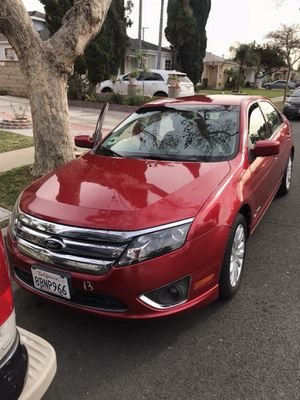 2012 HYbrid Ford Fusion super clean for Sale in Los Angeles, CA