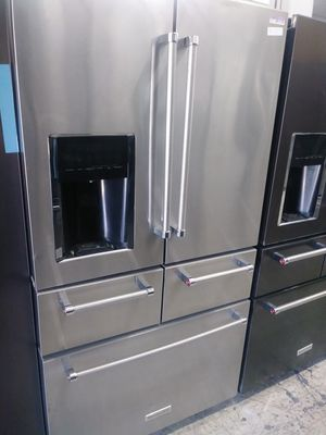 Kitchen Aid five door in stainless steel for Sale in Los Angeles, CA