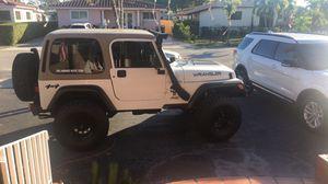 2001 Jeep Wrangler tj sport for Sale in Miami, FL