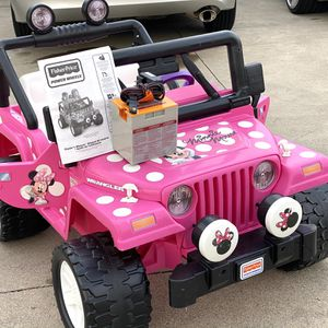 with BRAND NEW 12volt Battery - Minnie Mouse Jeep Wrangler 12volt Electric Kid Ride On Car Power Wheels for Sale in Long Beach, CA