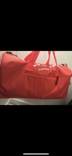 Supreme gym duffle bag for Sale in Inkster, MI