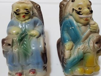 Vintage Granma and Granpa On Rocking Chair Salt and Pepper Shakers for Sale in Newberry Springs,  CA
