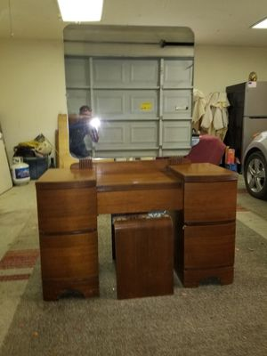 Solid wood 5 drawer vanity with mirror and bench for Sale in Selma, CA