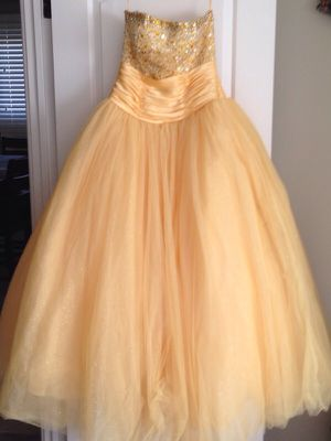Yellow prom/quince dress for Sale in Alsip, IL