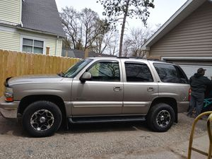 2002 chevy Tahoe for Sale in Gladwin, MI