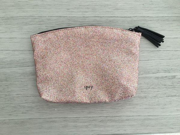 Ipsy make up bag
