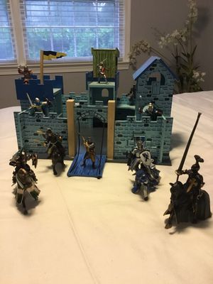 Medieval Knights Castle with 10 Knights and 4 horses. Knights can ride the horses. for Sale in McLean, VA