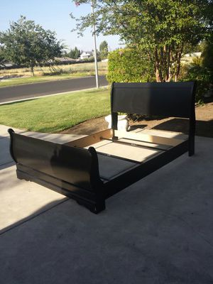 Black Queen Size Bed Frame for Sale in Clovis, CA
