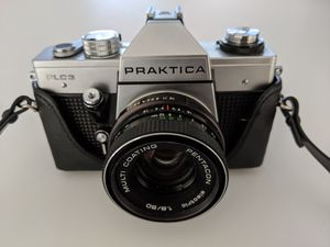 Praktica 35 mm film camera with 50 mm lens, removable flash and original carrying case for Sale in Nashville, TN