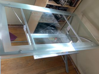 "Tempered clear glass desk with a frosted border. Assembled Dimensions: 48""W x 28""D x 30""H for Sale in Burien,  WA"