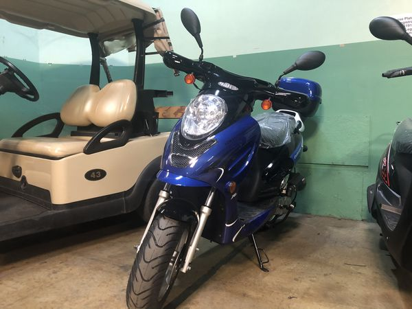 Brand new 50 moped scooter with warranty
