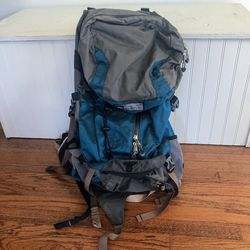 REI Co-op Venus Womens Backpacking Backpack Blue Sz Small for Sale in Seattle,  WA
