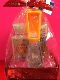 Snowy Peach Berry Gift Set for Sale in Rosemead,  CA