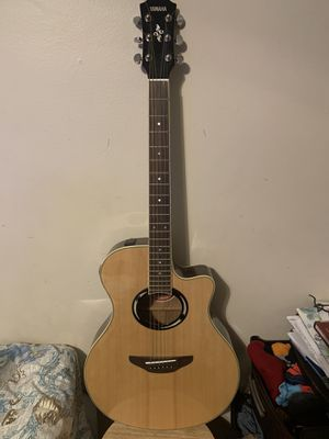 Yamaha APX500II NT Thinline Cutaway Guitar for Sale.... for Sale in Los Angeles, CA