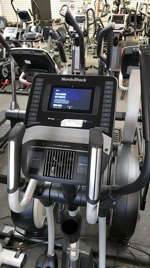 """Nordictrack se9i space saver elliptical with 5.5"""" touchscreen! for Sale in Phoenix, AZ"""