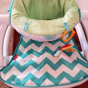 Baby Flooor Seat for Sale in Grove City, OH