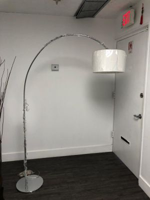 "Z GALLERIE ARCHIE FLOOR LAMP- CHROME 79""TALL 58""WIDE for Sale in Miami, FL"