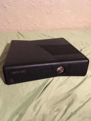 Xbox 360 Game console works great no lowballs for Sale in Columbus, OH