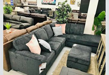 İn STOCK Ashley Altari Sectional And Ottoman Same Day Delivery R33 for Sale in Alexandria,  VA