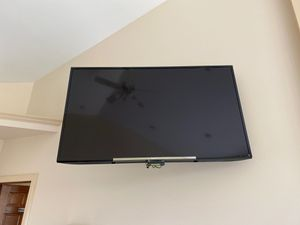 Sony tv. 60 inches for Sale in Freeland, MI