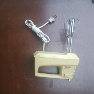 Vintage electric mixer for Sale in Modesto, CA