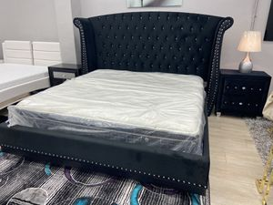 King bed frame // financing available for Sale in Hialeah, FL