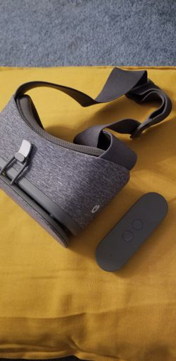Google Daydream VR set for Sale in San Diego,  CA