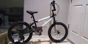 Mongoose Switch BMX Bike for Kids, 18-Inch Wheels, Includes Removable Training Wheels for Sale in Peoria, AZ