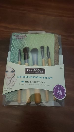 Makeup brushes for eyes for Sale in HILLTOP MALL, CA