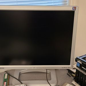 Computer Monitors Best Offer for Sale in Stafford Township, NJ