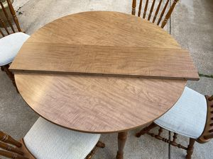 Table and chairs with leaf for Sale in Eureka, MO
