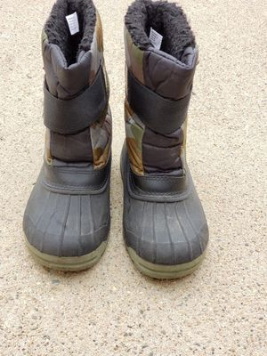 Kids snow boots size 11 for Sale in Lincoln Acres, CA