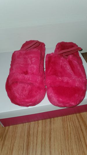 Hot Pink Furry Sandals Out Toe for Sale in Norfolk, VA