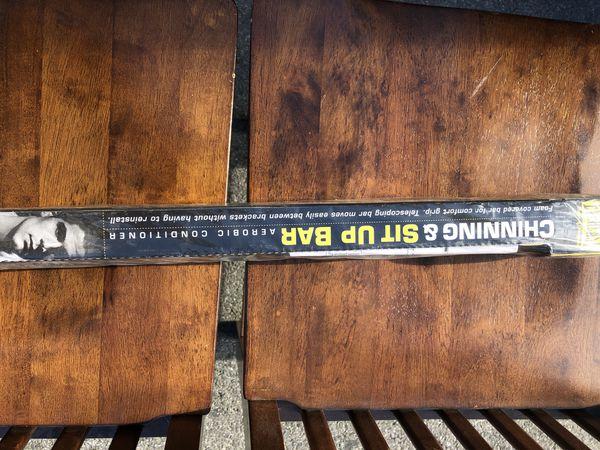 Everlast chinning & sit up Bar