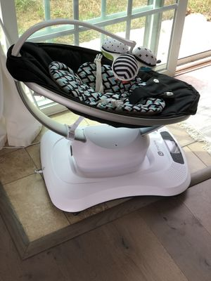 4moms MamaRoo Baby Swing for Sale in Imperial Beach, CA