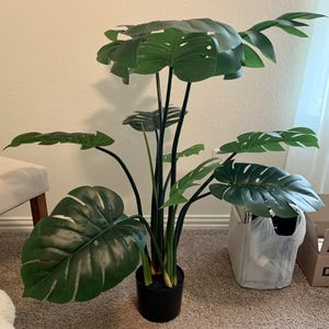 Artificial Monstera Faux Plant Decorative 43 Inch for Sale in Fort Worth, TX