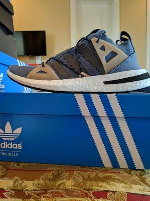 BRAND NEW WOMENS ADIDAS ARKYN W EDITION ➡️ SIZE-8 w/RECEIPT FOR AUTHENTICATION for Sale in Sacramento, CA