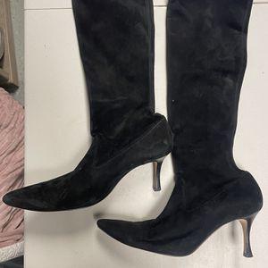 Manolo Blahnik Black Suede Boot. 2.5in Heel for Sale in Middletown, CT