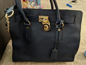 Michael Kors Hamilton & Wristlets for Sale in Alexandria, VA