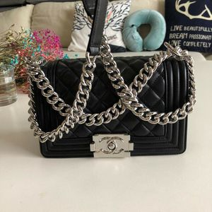 Chanel Le boy Genuine Leather bags for Sale in Daly City, CA