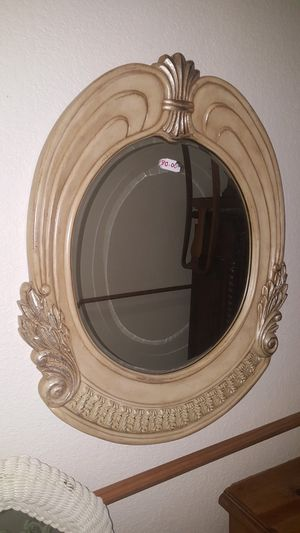 Round Oval Mirror for Sale in Fort Worth, TX
