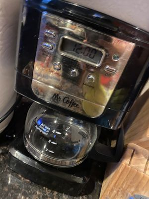 Mr Coffee - 4 cup max coffee maker for Sale in El Paso, TX